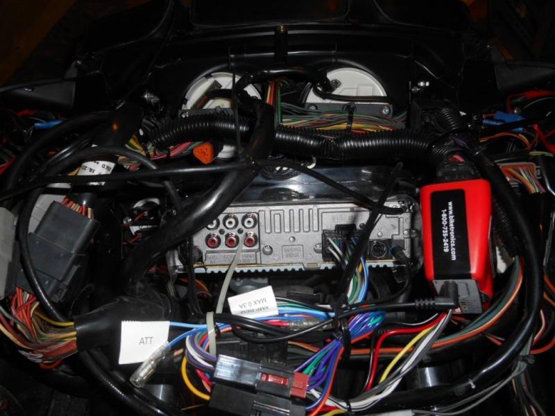 Remplacement  radio d'origine par autoradio classique - Page 6 Dscn0513