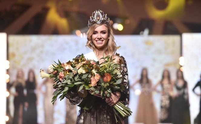 Round 32nd : Miss Polonia 2019 Gf-d8210