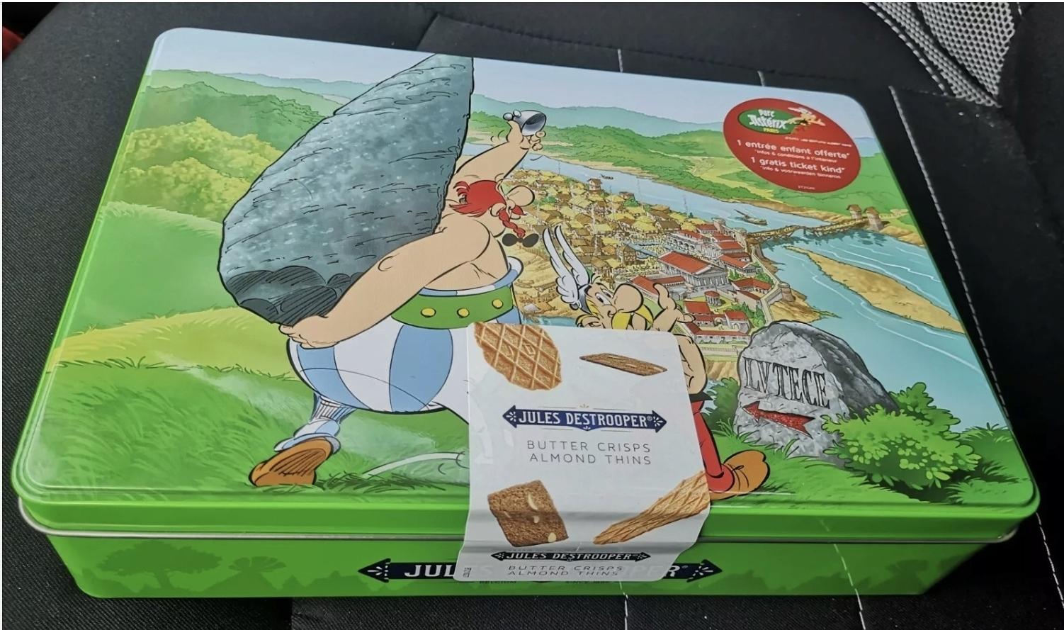 Coffret Astérix et Obelix pour les biscuits JULES DESTROOPER Screen48