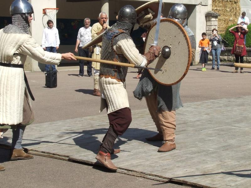 Première fête médiévale d'Ancy le Franc  Dscf6431