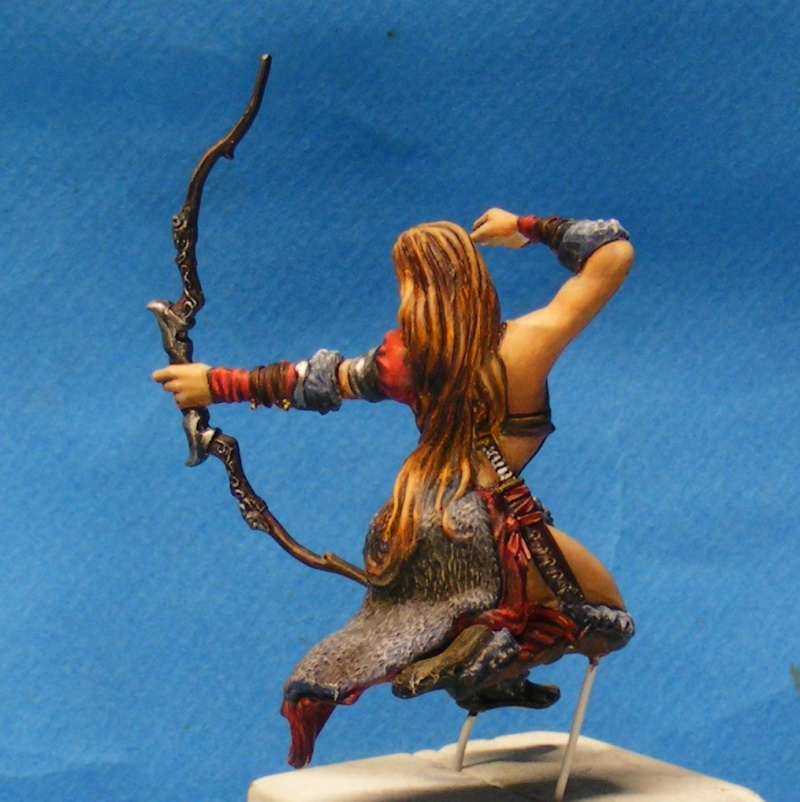 Shauna and the wolf  : DRACONIA miniatures 54mm 00310