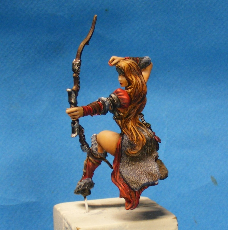 Shauna and the wolf  : DRACONIA miniatures 54mm 00410