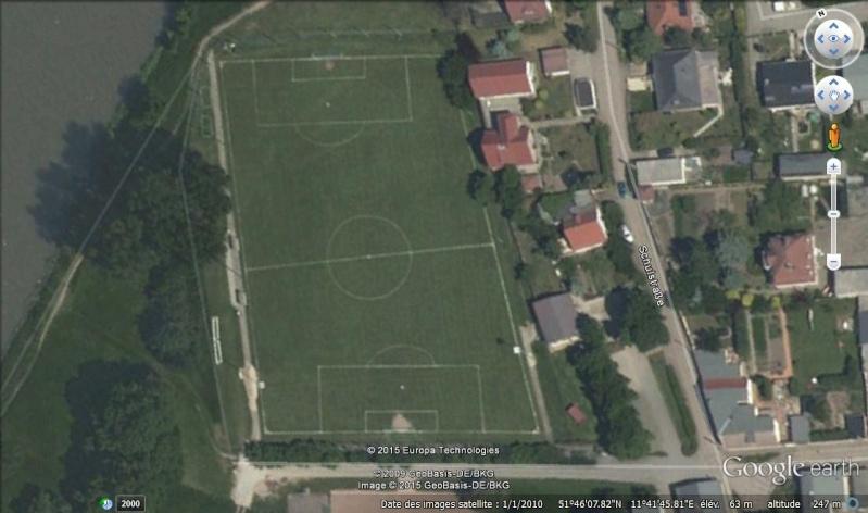 Terrains de foot insolites - Page 3 Stade10