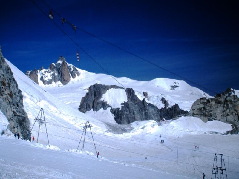 Ancien ski d'été sur le Glacier du Géant Pict0013