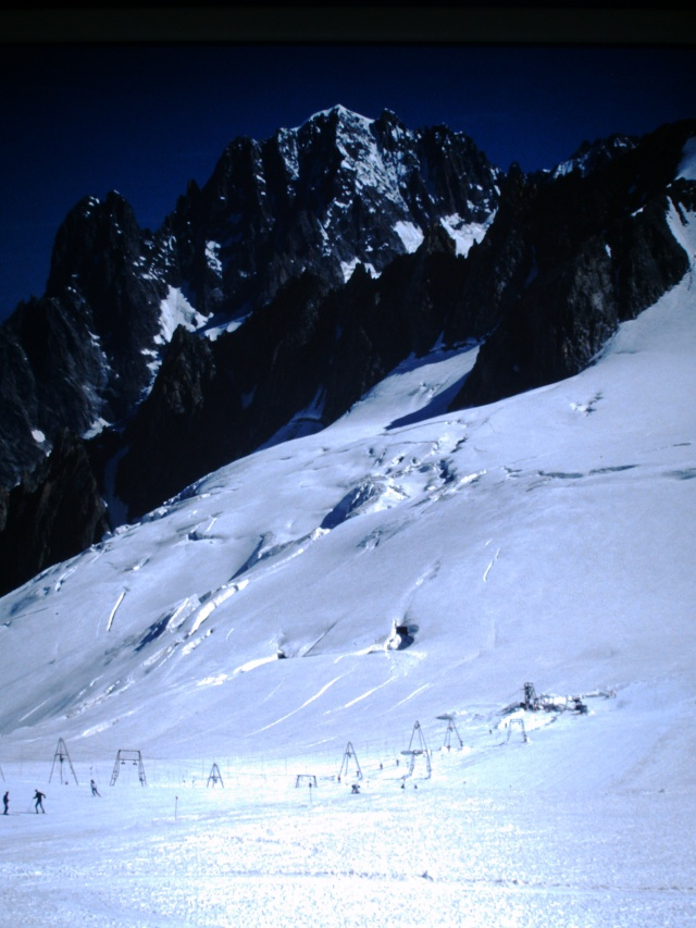 Ancien ski d'été sur le Glacier du Géant Pict0015