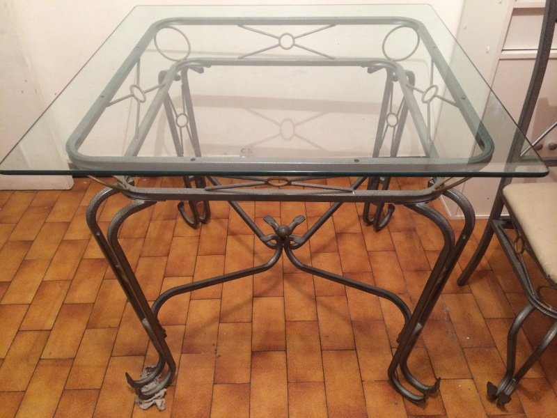 [VENDU] Table + 4 chaises en fer forge Table_10