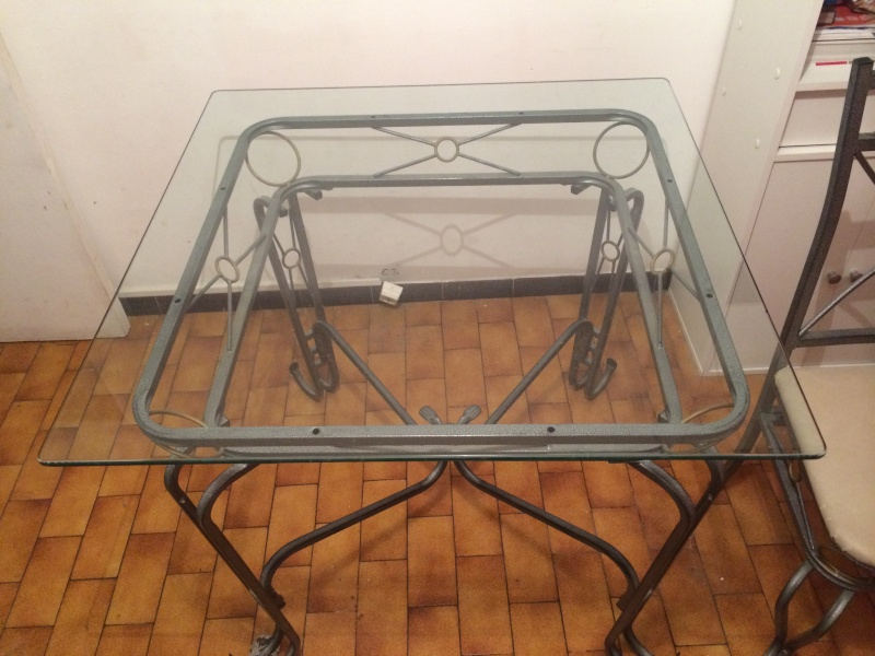 [VENDU] Table + 4 chaises en fer forge Table_11