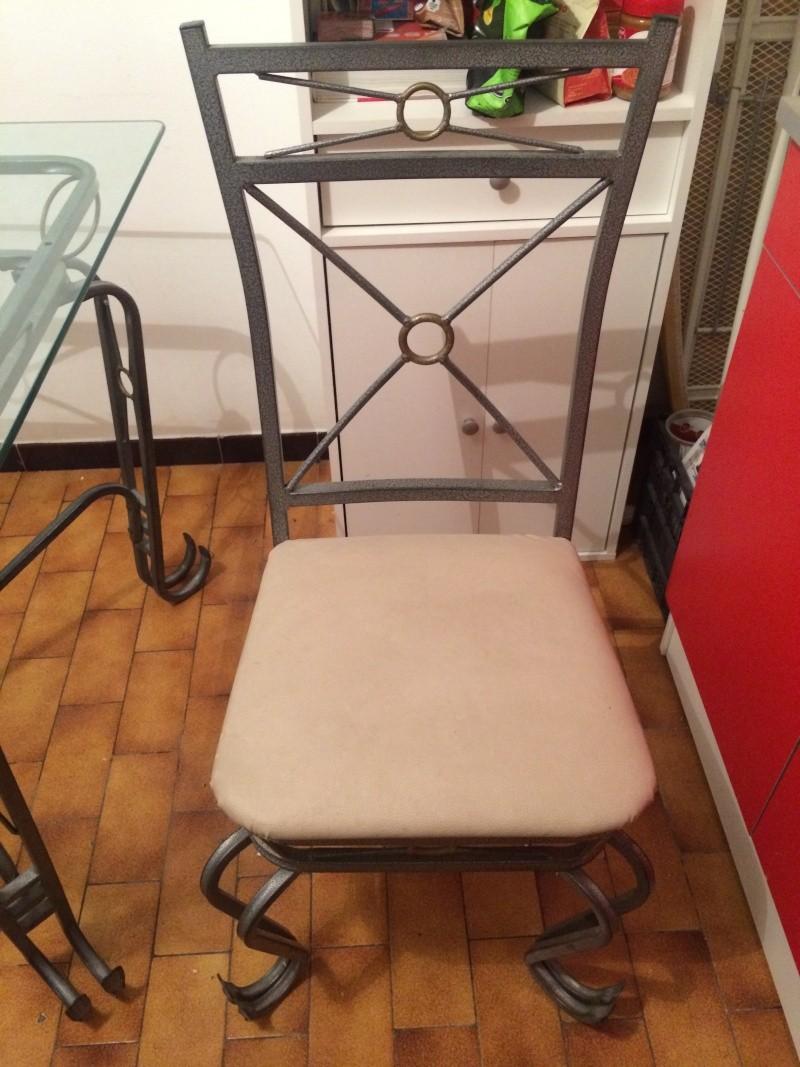 [VENDU] Table + 4 chaises en fer forge Table_12