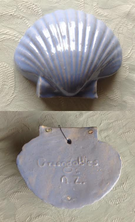 Greengables scallop shell wall pocket Greeng10