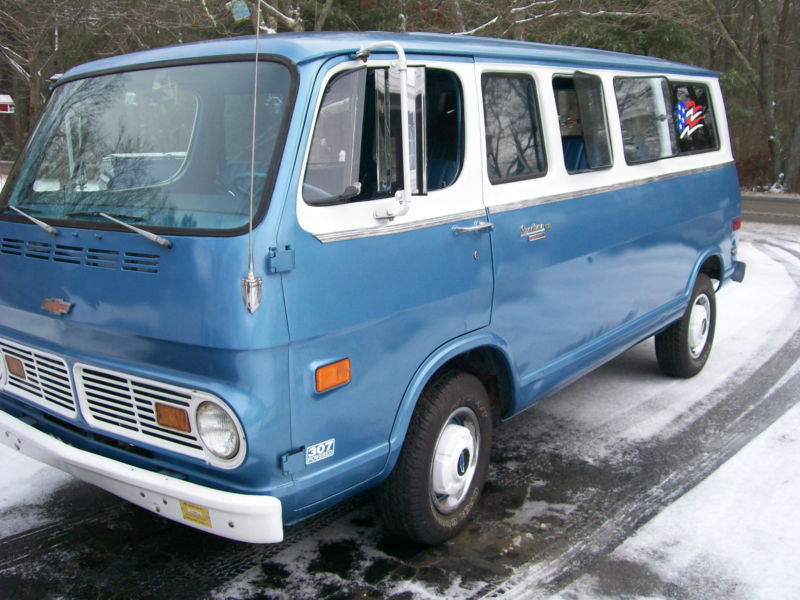 [résolu]recherche chevy van, sport van ou handy van chevrolet ou gmc 64 a 70 Chevy_10