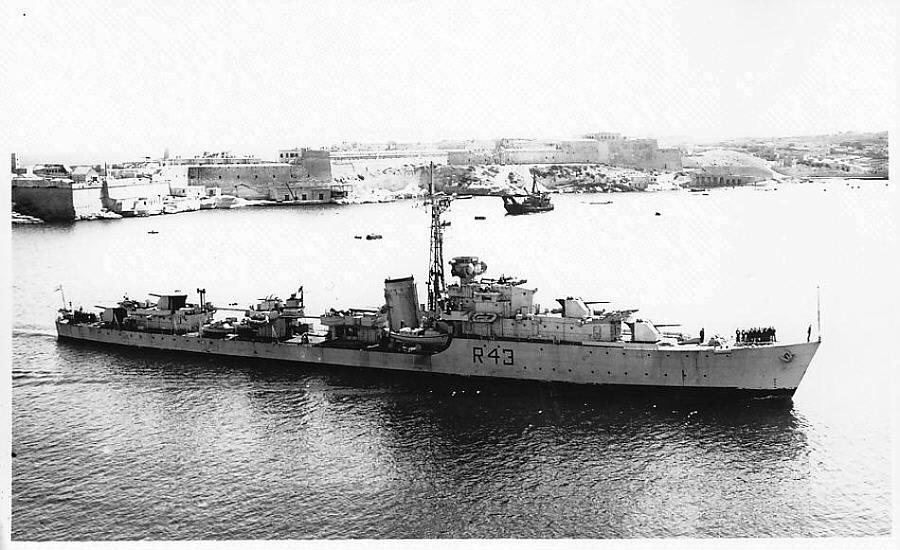 DESTROYER DE LA ROYAL NAVY : du CAESAR au DUCHESS Comus-10