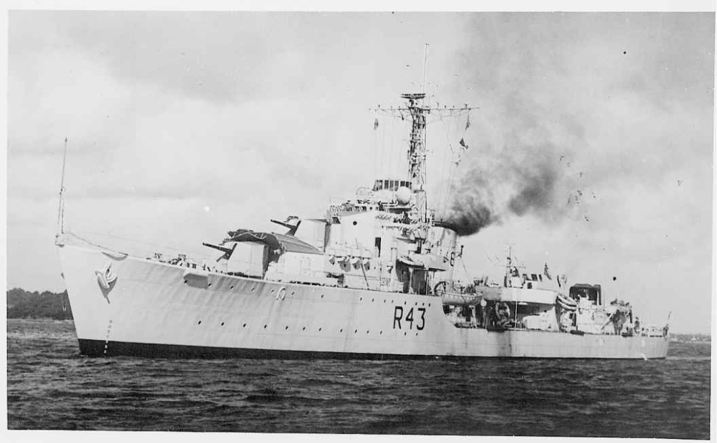 DESTROYER DE LA ROYAL NAVY : du CAESAR au DUCHESS Comus_10