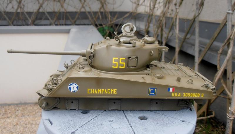 """Sherman M4A3 76 mm """" 2éme DB """" ( boite a rabiot 1/35éme ) P3290612"""