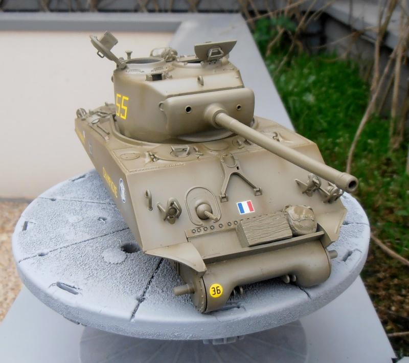 """Sherman M4A3 76 mm """" 2éme DB """" ( boite a rabiot 1/35éme ) P3290613"""