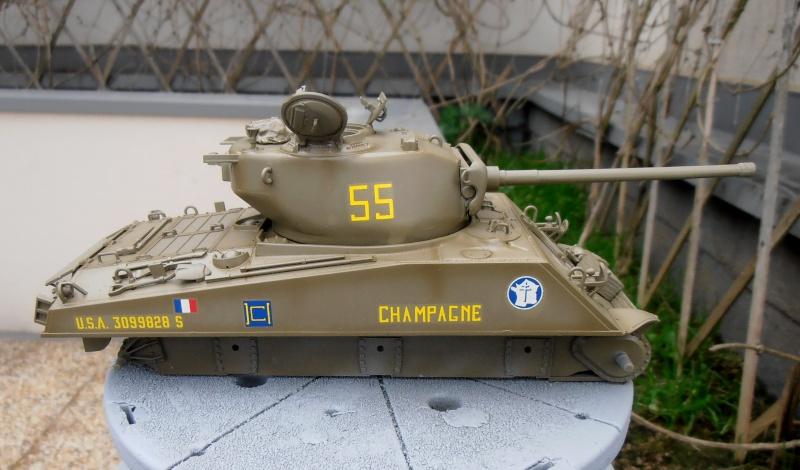 """Sherman M4A3 76 mm """" 2éme DB """" ( boite a rabiot 1/35éme ) P3290614"""