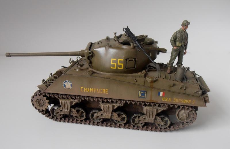 """Sherman M4A3 76 mm """" 2éme DB """" ( boite a rabiot 1/35éme ) - Page 4 P4190716"""