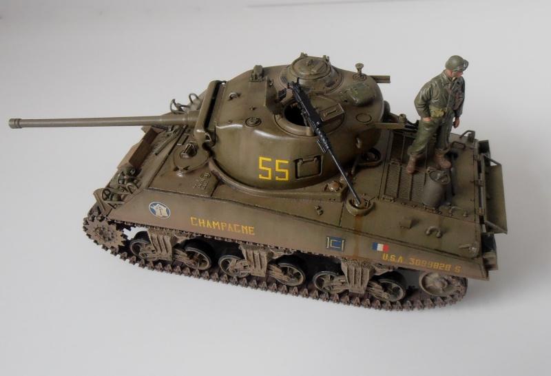"""Sherman M4A3 76 mm """" 2éme DB """" ( boite a rabiot 1/35éme ) - Page 4 P4190717"""