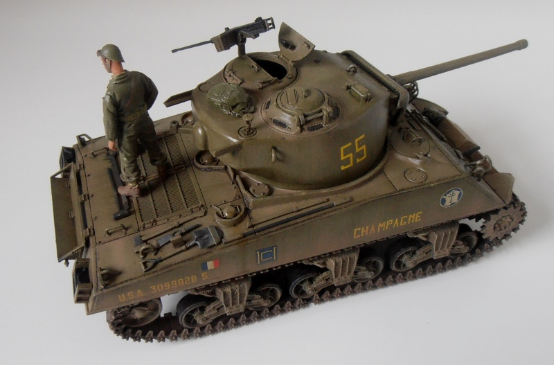 """Sherman M4A3 76 mm """" 2éme DB """" ( boite a rabiot 1/35éme ) - Page 4 P4190719"""