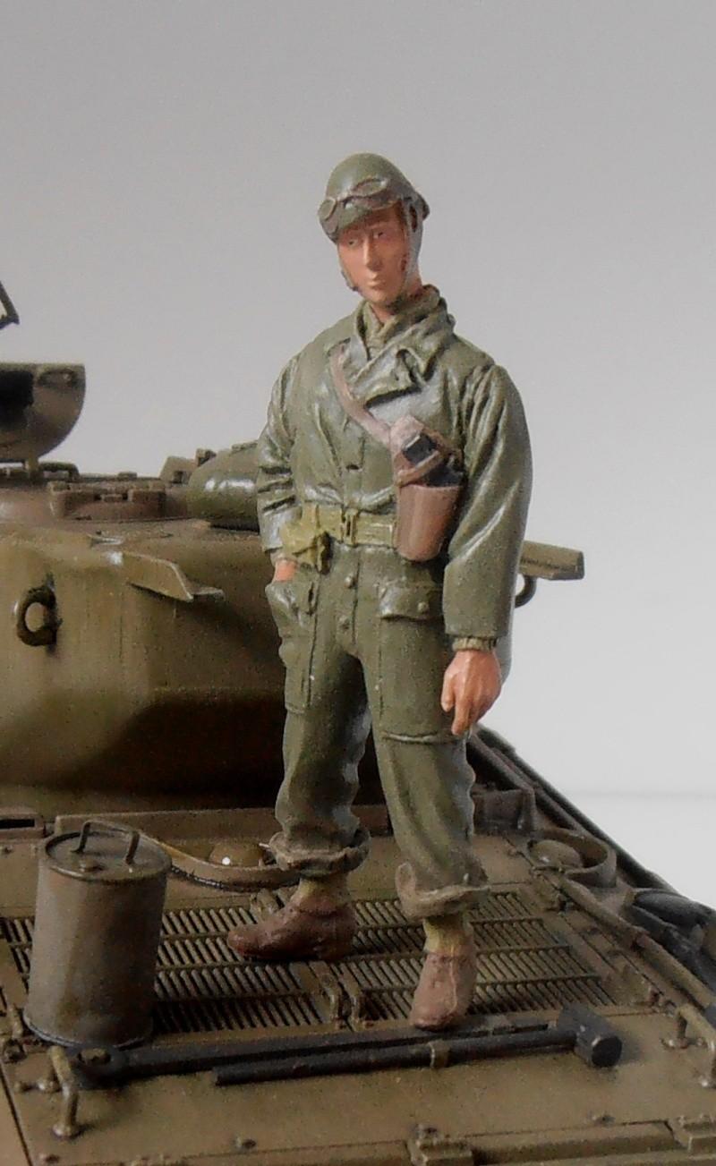 """Sherman M4A3 76 mm """" 2éme DB """" ( boite a rabiot 1/35éme ) - Page 4 P4190720"""