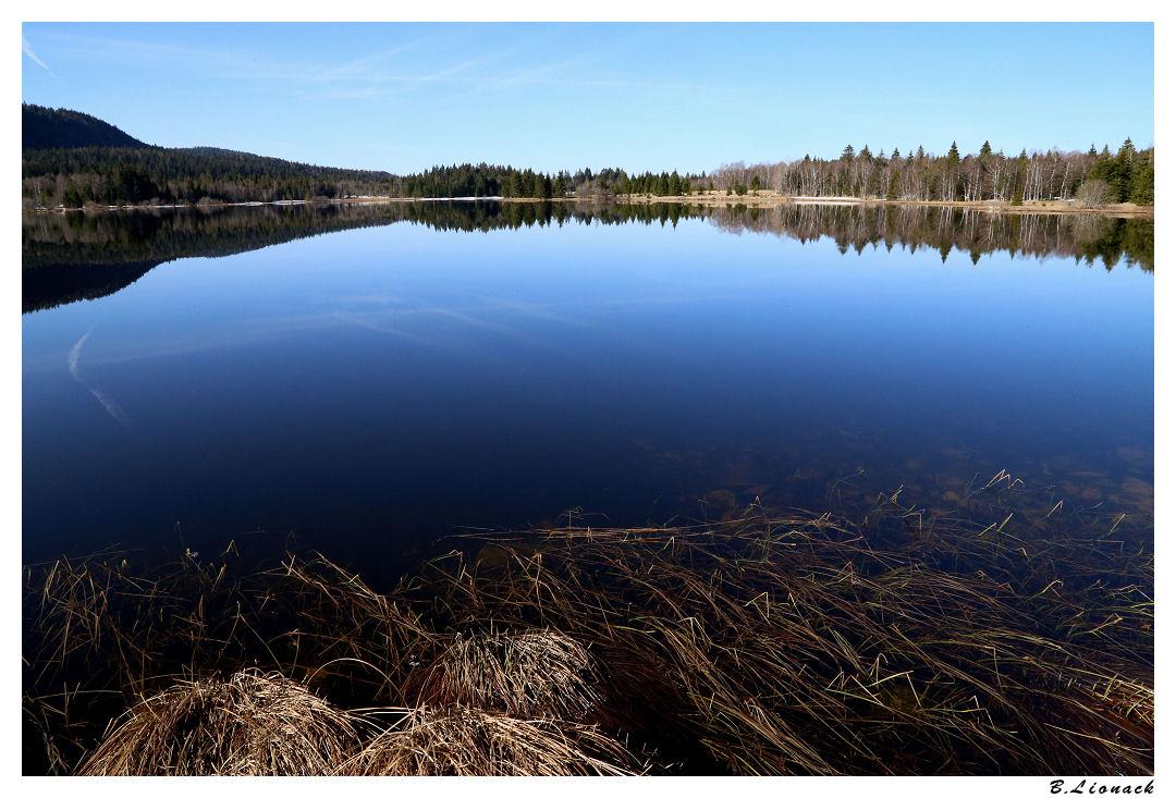 Le lac se réveille doucement de l'hiver Bellef10