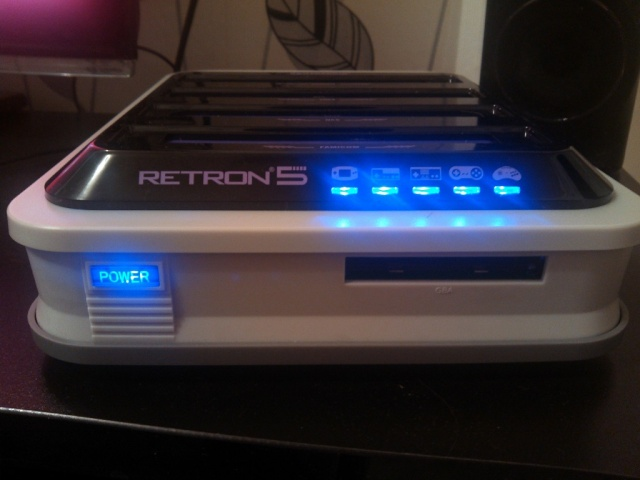 Retrofreak : 11 consoles dans une seule machine Img_2200