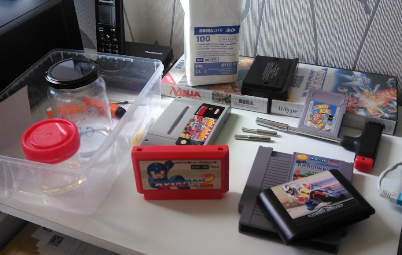 Comment ouvrir une cartouche Famicom svp ? Img_2208
