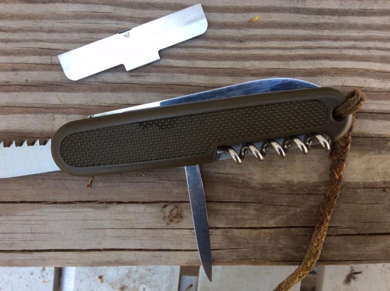 couteau serie safari 108mm de Victorinox Image610