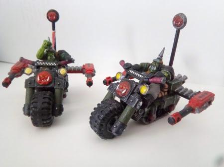 Vendo ejército de orkos de Warhammer 40K Motos10