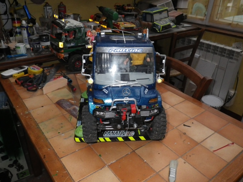 unimog u 300 sur chassis scx 10 Imgp3815