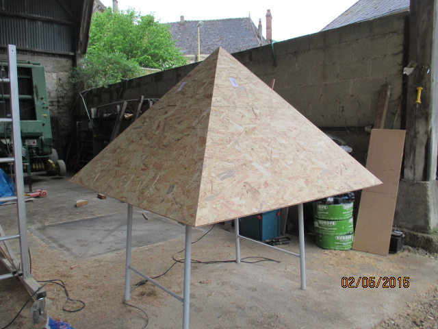 Une cabane et sa tour pour mes petits-fils Img_1031