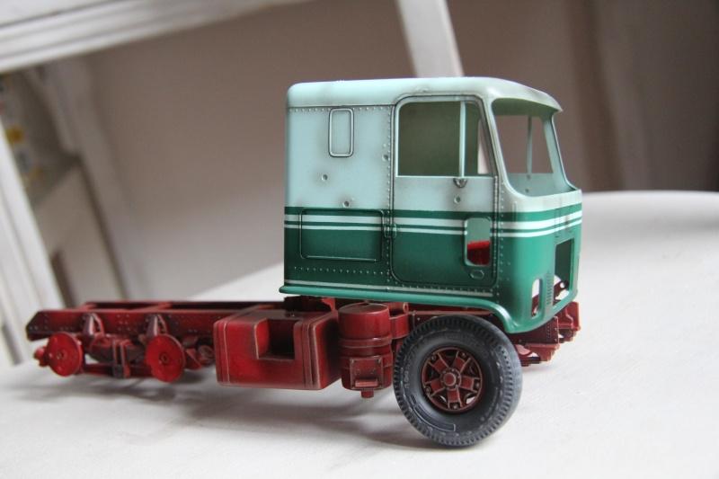 Truck CHEVY TITAN 90 avec Haulaway trailer Amt Img_3931