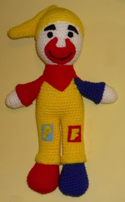 Vitrine des poupées et personnages de dessins animés. TOUTES A VOS CROCHETS  Clown110