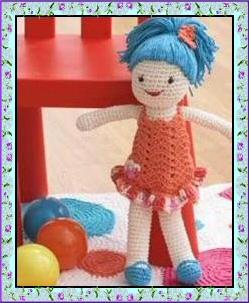 Vitrine des poupées et personnages de dessins animés. TOUTES A VOS CROCHETS  Jolie_10