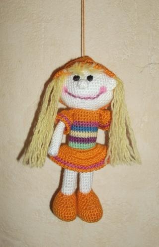 Vitrine des poupées et personnages de dessins animés. TOUTES A VOS CROCHETS  Poupye13