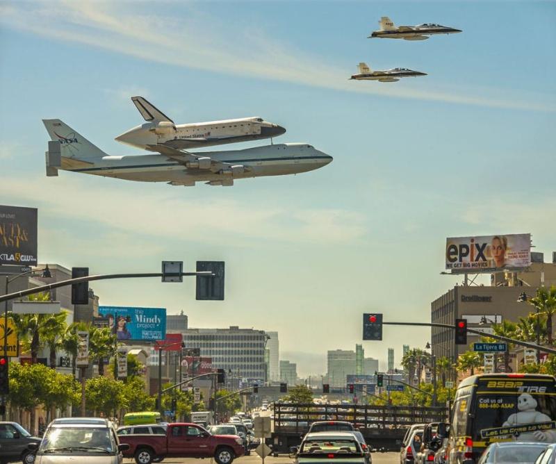 Avions 1950's, futuristes et vaisseaux spaciaux - Vintage Spaceships, Starships and futuristic planes.  Navett10