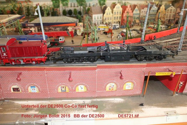 Das dritte Projekt 2014 - Die Henschel-BBC DE2500 Lok in 0 - Seite 2 De572110