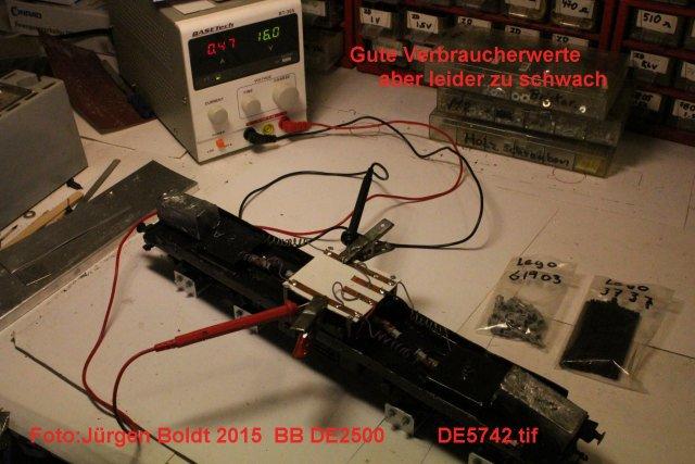 Das dritte Projekt 2014 - Die Henschel-BBC DE2500 Lok in 0 - Seite 2 De574210