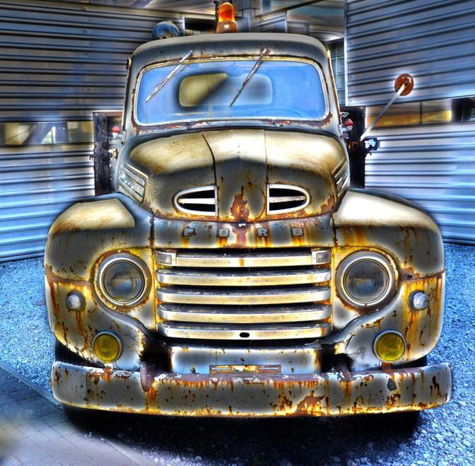 Le vieux camion. 2015-053