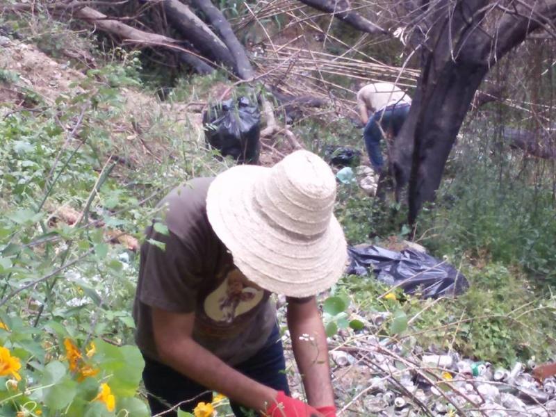 volontariat de nettoyage de la route du Cap à Aokas le 15 mai 2015 - Page 3 538