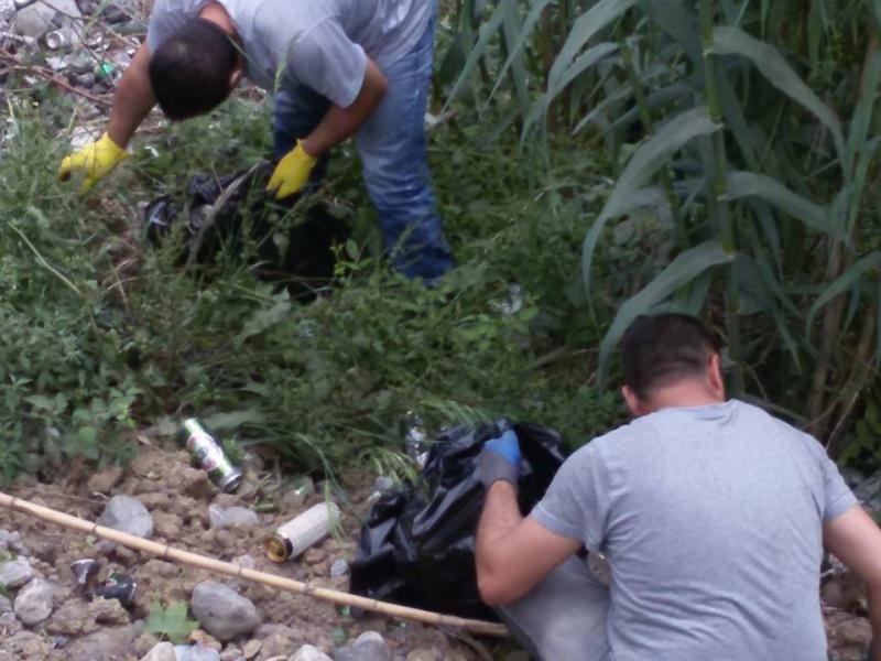 volontariat de nettoyage de la route du Cap à Aokas le 15 mai 2015 - Page 3 542