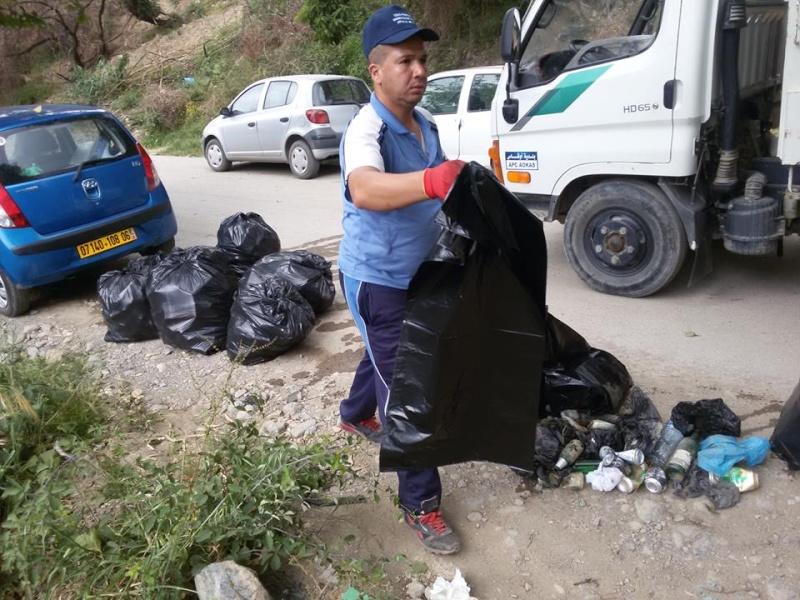 volontariat de nettoyage de la route du Cap à Aokas le 15 mai 2015 - Page 3 543