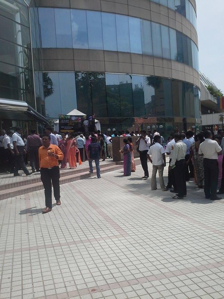 Colombo Stock Exchange Ice-Cream Dansala at World Trade Centre - කොටස් වෙළඳපොළෙන් අයිස් ක්රීම් දන්සැලක්  11216110