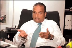 FCID should bring back Deepthi Perera and should arrest him and jail for Financial Fraud in CIFL Deepth10