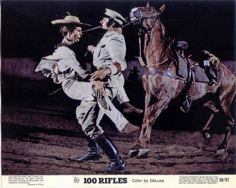 Les cent fusils . 100 Rifles . 1968 . Tom Gries . - Page 2 C510