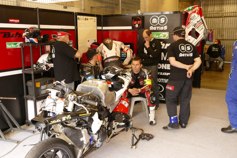 [Endurance] 24 Heures Motos, 18/19 avril 2015 - Page 10 P1010411