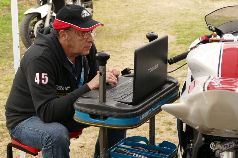 [Endurance] 24 Heures Motos, 18/19 avril 2015 - Page 10 P1010510