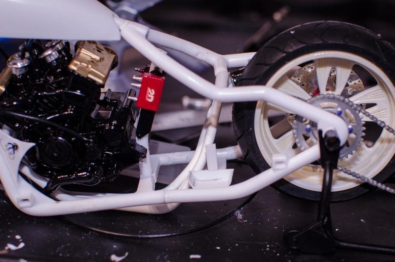 CSOEBWHMGPV5MIOTFTKRV5BRSD ou HRC V5 (Honda Racing Chopper V5) - Page 4 20150416