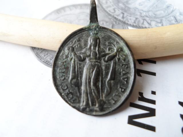 Médaille Vierge Faenza & Prison de St-Pierre / XVIIIème Sam_0511