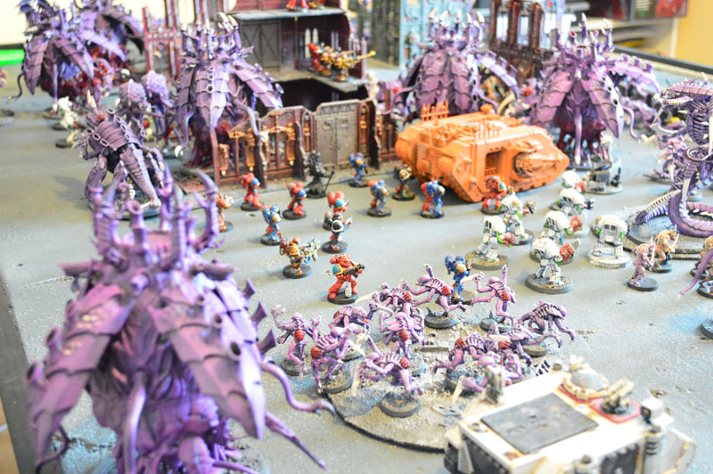 2015.03.27 - Tyranides contre Spaces Marines du Chaos - 4000 pts 0711