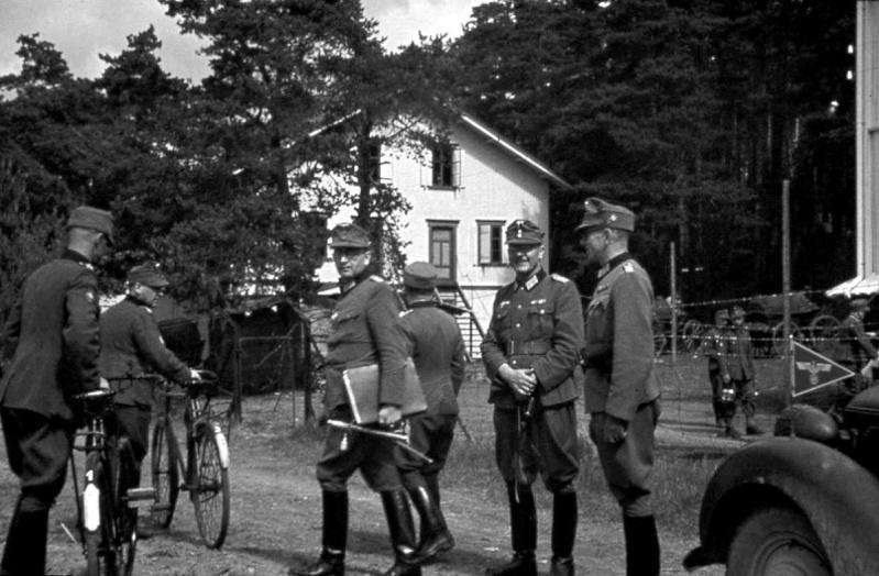 1945, la Wehrmacht et l'armée américaine attaquent l'Union Soviétique ! - Page 5 1111